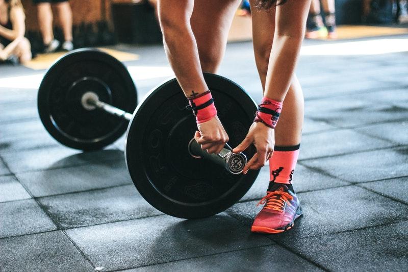 La práctica de Body Pump consiste en ejercicios con peso.